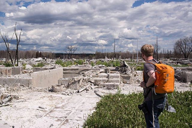 Got up to see the fire damage in Fort McMurray this weekend. @ymmpeter looks at the wreckage of his house in Abasand. #ymmfire