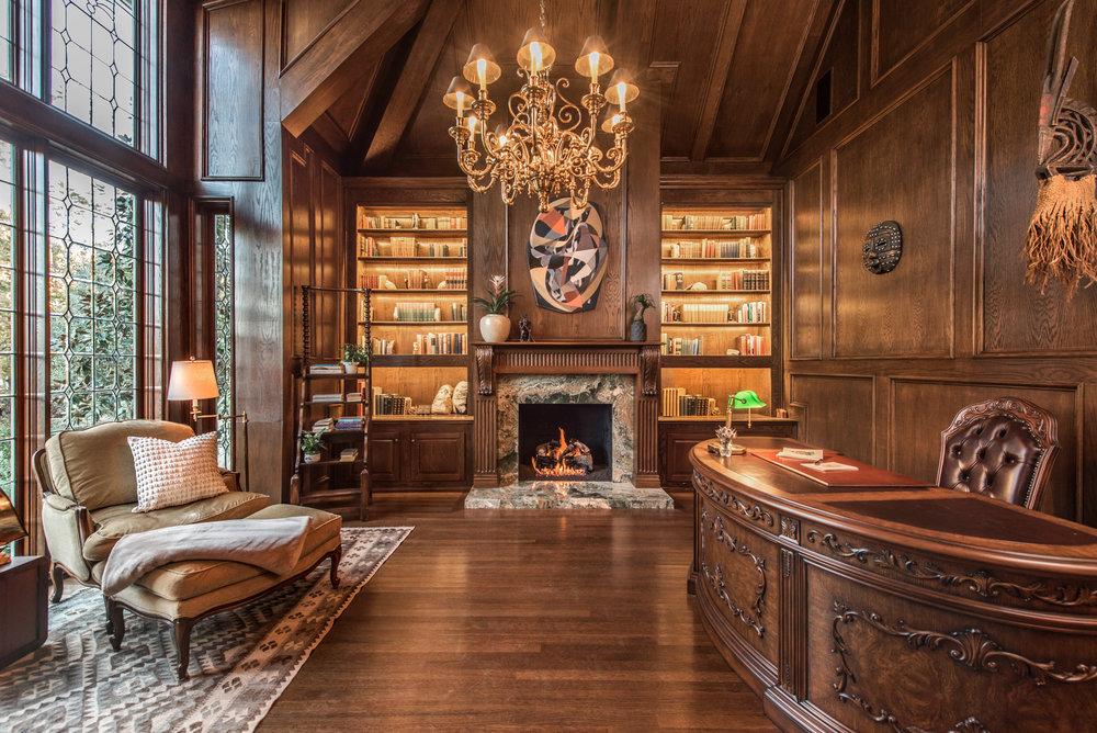 Sarah-barnard-design-traditiondal-palisades-library.jpg