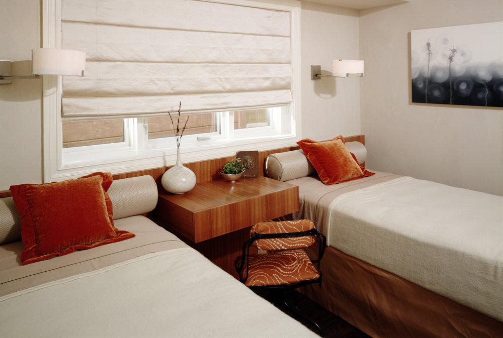 sarah-barnard-design-contemporary-guest-bedroom.jpg