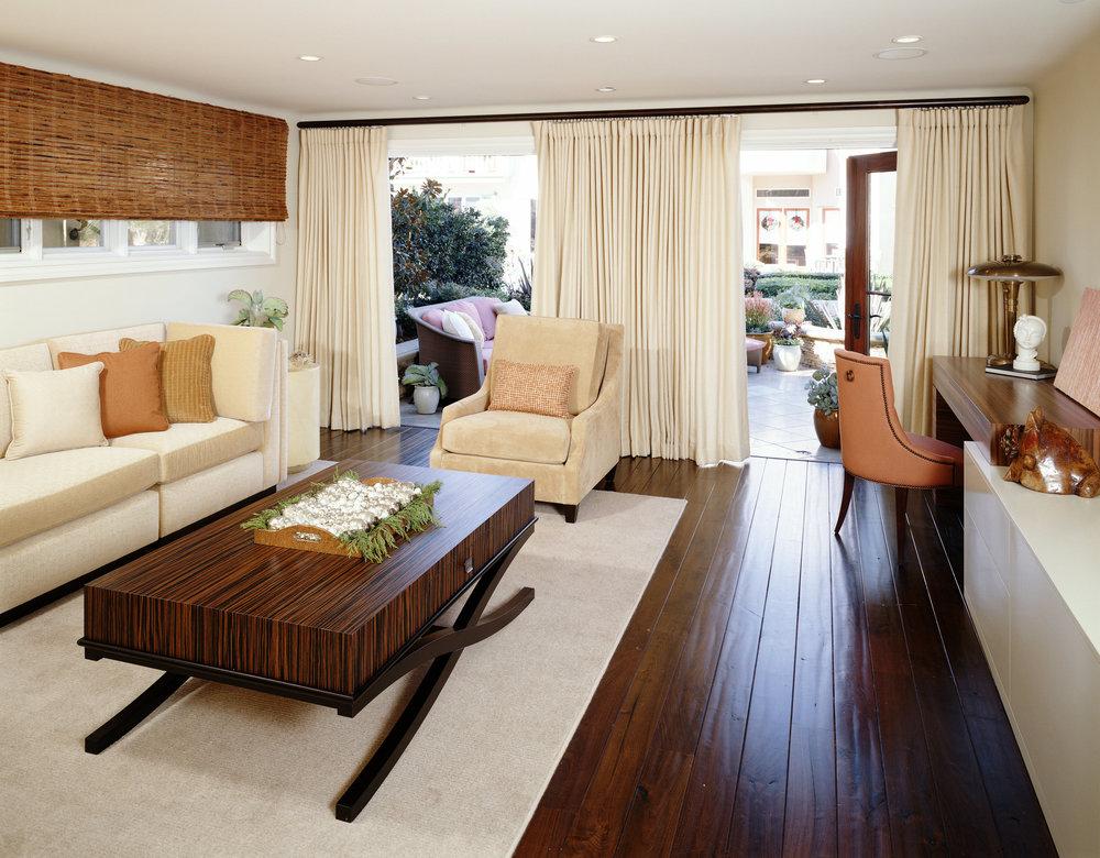 Sarah-barnard-design-indoor-outdoor-livingroom.jpg