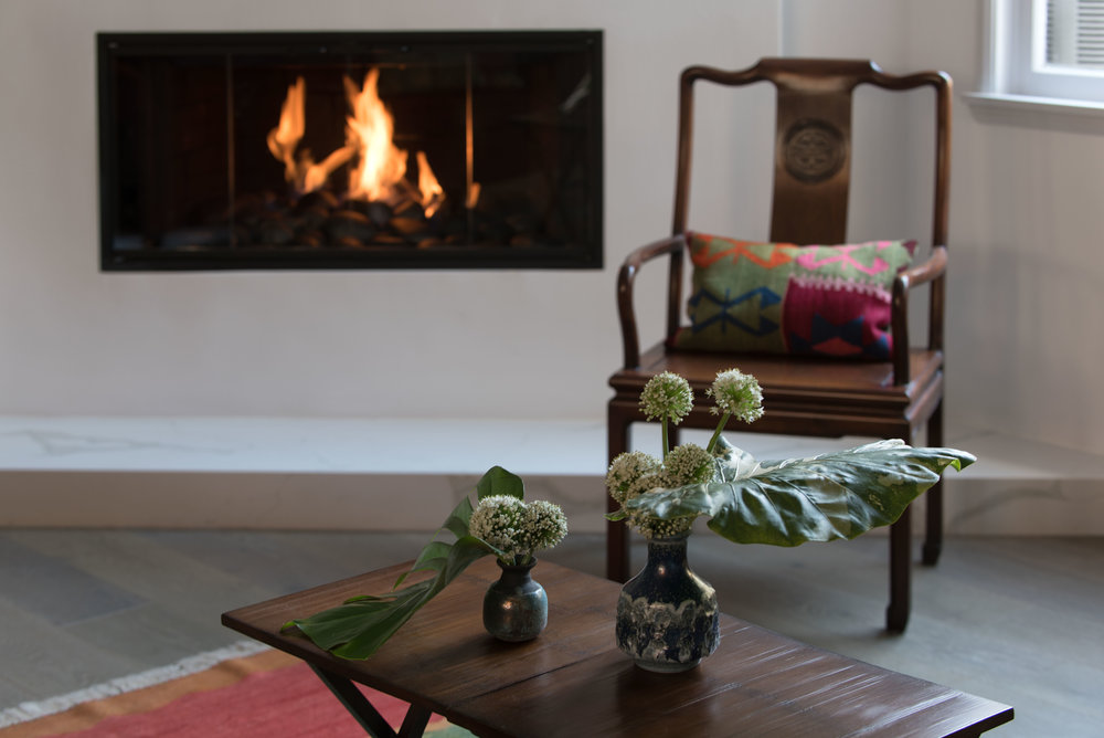 sarah-barnard-design-luxury-minimalism-santa-monica-fireplace.jpg