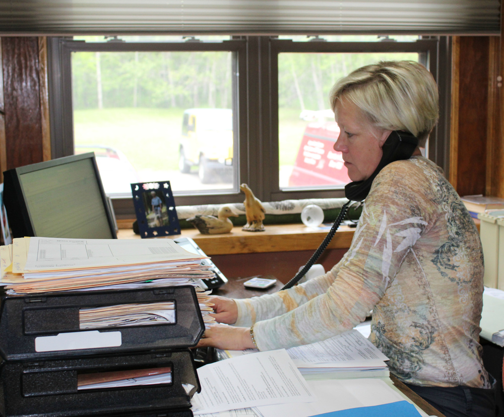 anne_desk.jpg