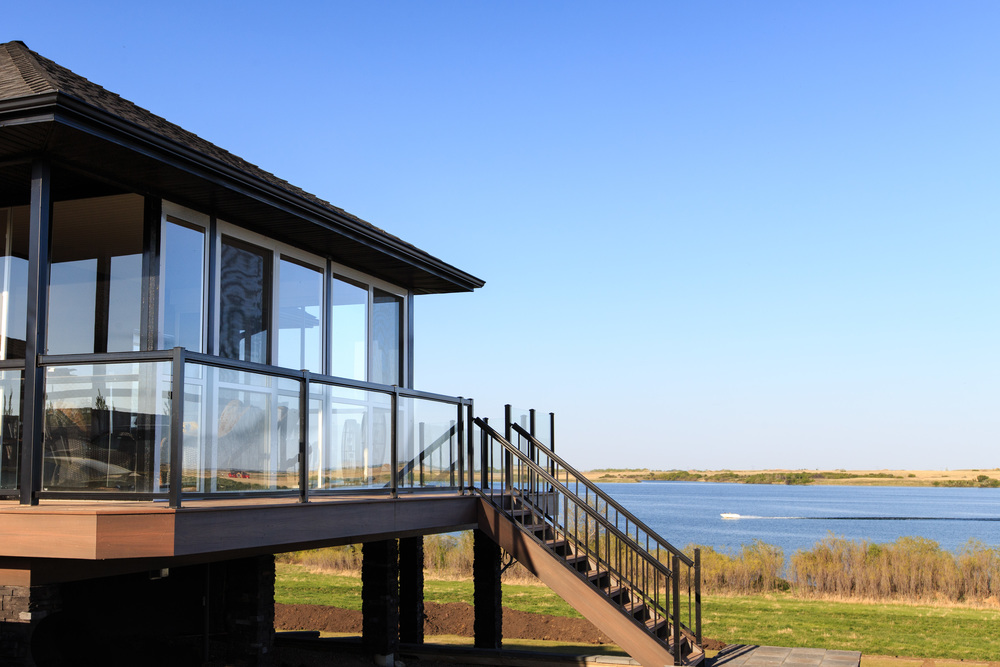 A beautiful view of the Blackstrap Lake waterfront.