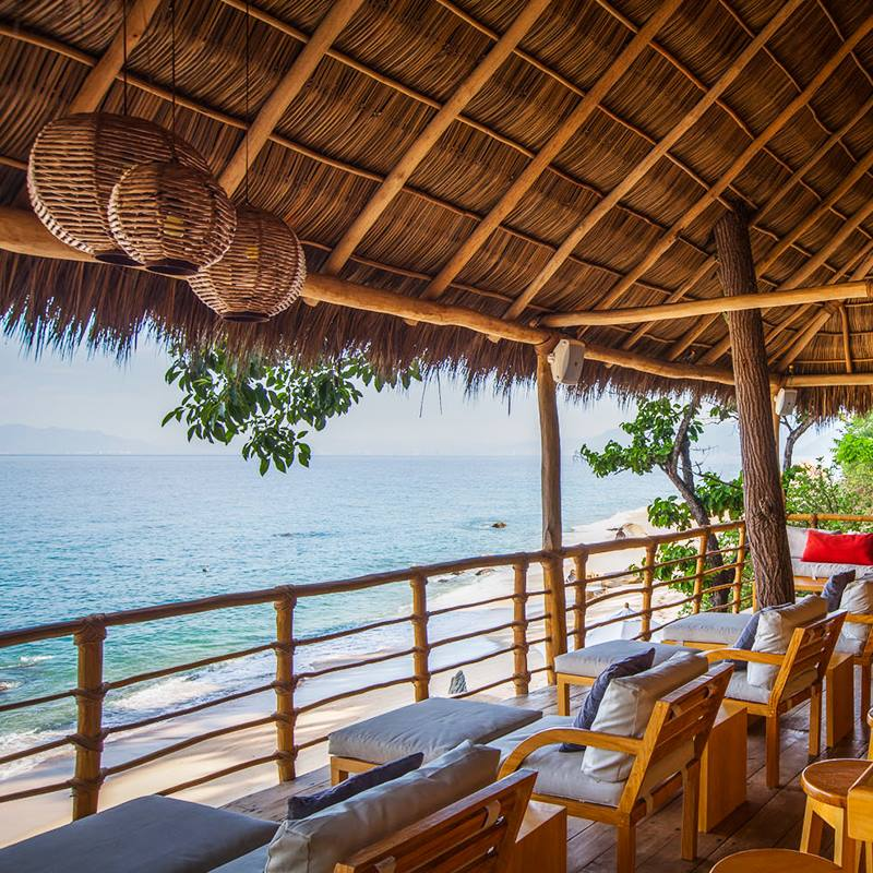 Xinalani lounge by the beach.jpg