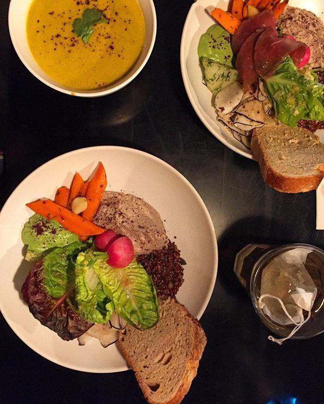 Impressed again!! 😋😋 #sogood #powerfood #veggie #glutenfree #bowlfood #brussels #bxl #resto
