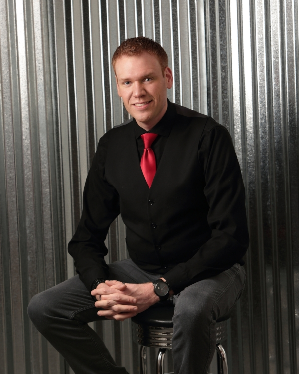 Jeff Veley Illusionist Escape Artist Magician Youth Motivational Speaker Dynomite Magic.jpg