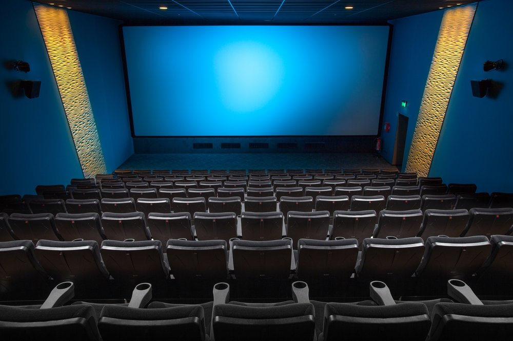 ¿Hablas mucho durante una película?