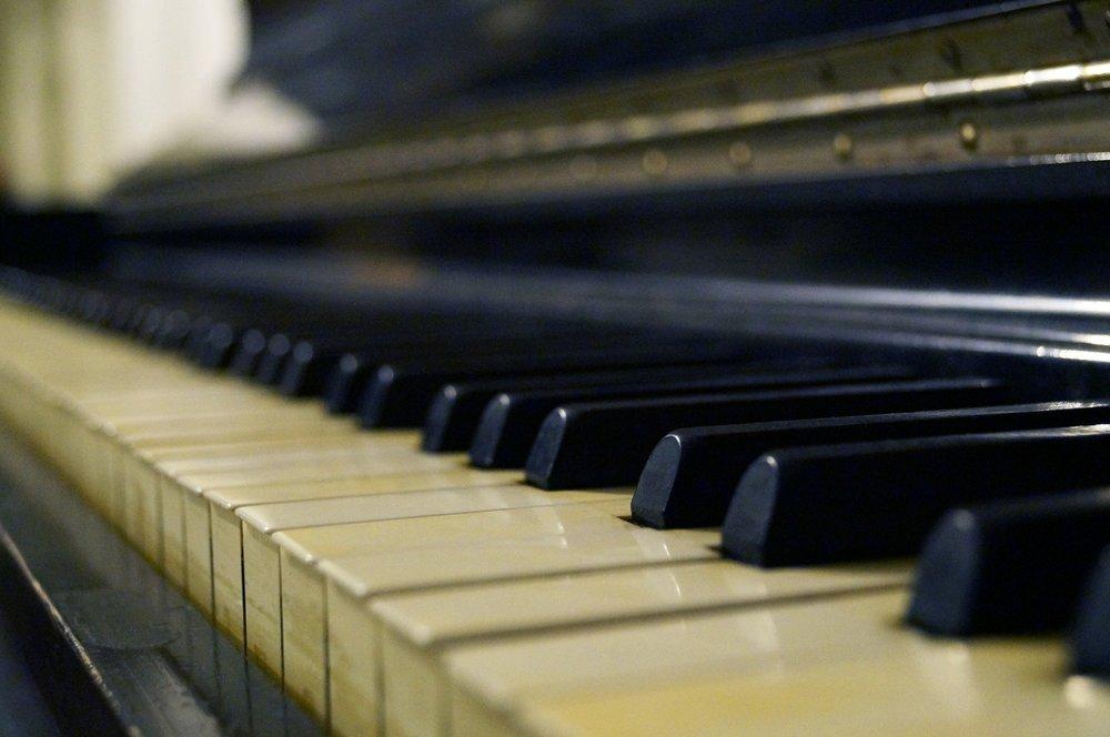 A mí me encanta el jazz. ¿Qué música te gusta a ti?