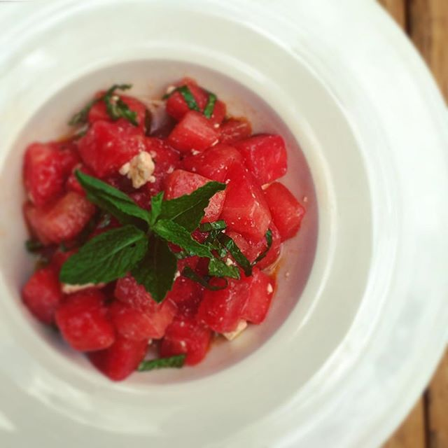 Watermelon Salad 🍉 #nationalwatermelonday #summer #perfectlunch  #watermelon #mint #salad #italianrestaurant #italianfood #glutenfree #fresh #healthy #healthyfood #healthylife #nycfood #nyceats #meatpacking #foodporn #foodstagram #foodie #picoftheday #iloveserafina💛