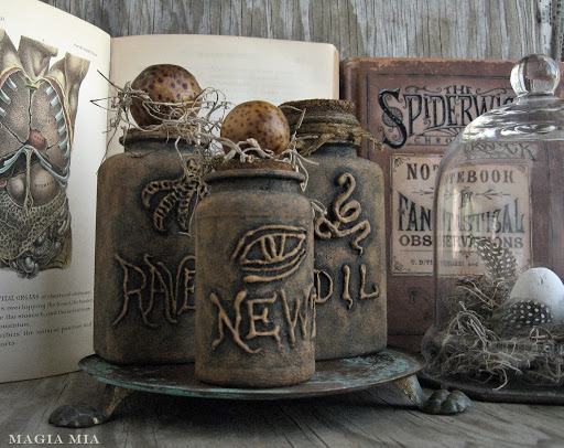 I'll be trying these apothecary bottles out this Samhain.