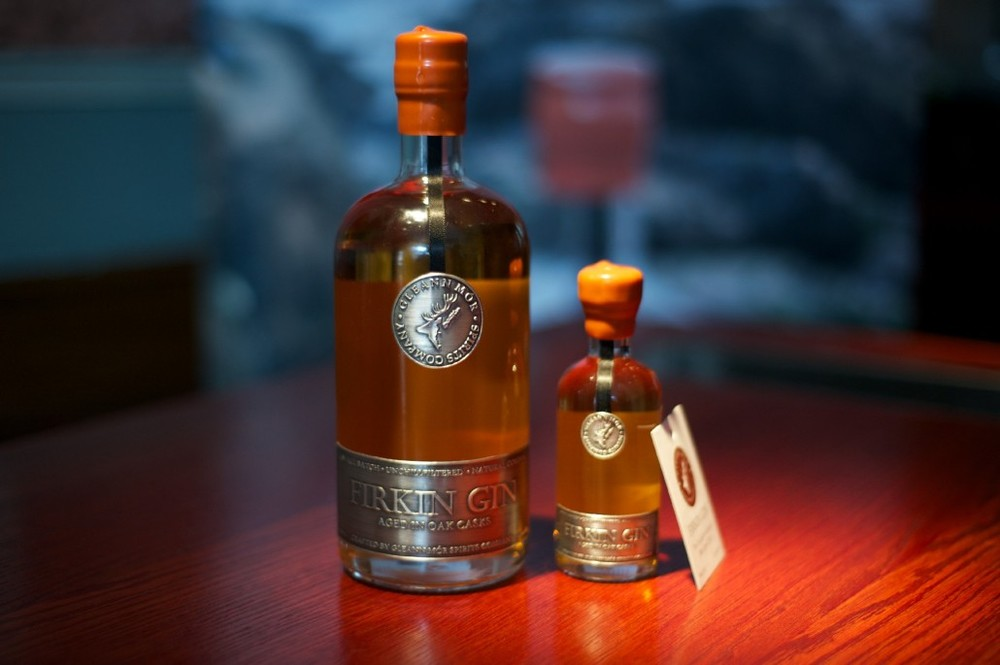 Firkin Gin draws its unique golden coloration from the fact it is matured in virgin American Oak casks. The wax-dipped closure and distinctive pewter labeling gives its presentation a distinctly upscale appearance.