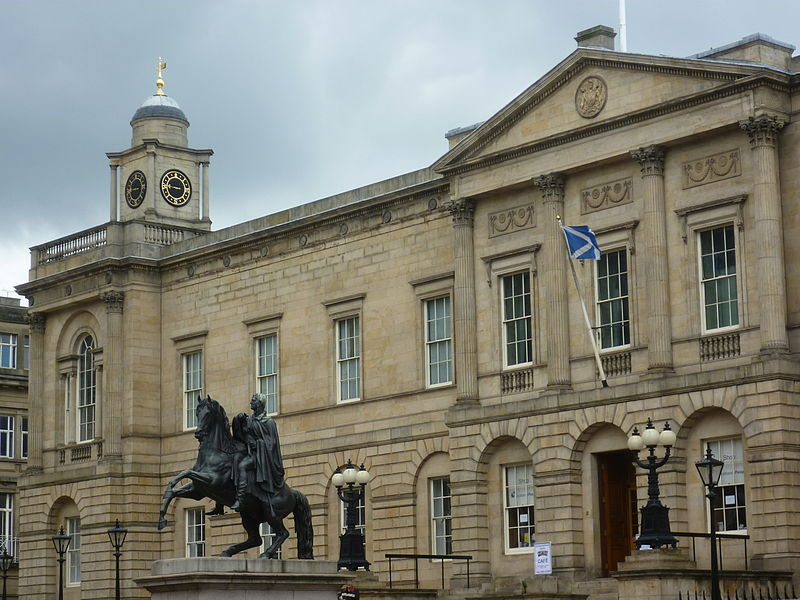 The National Records of Scotland at Register House in Edinburgh and the Scotland's People Center are starting points for archival research. By Kim Traynor (Own work) [CC BY-SA 3.0 (http://creativecommons.org/licenses/by-sa/3.0)], via Wikimedia Commons