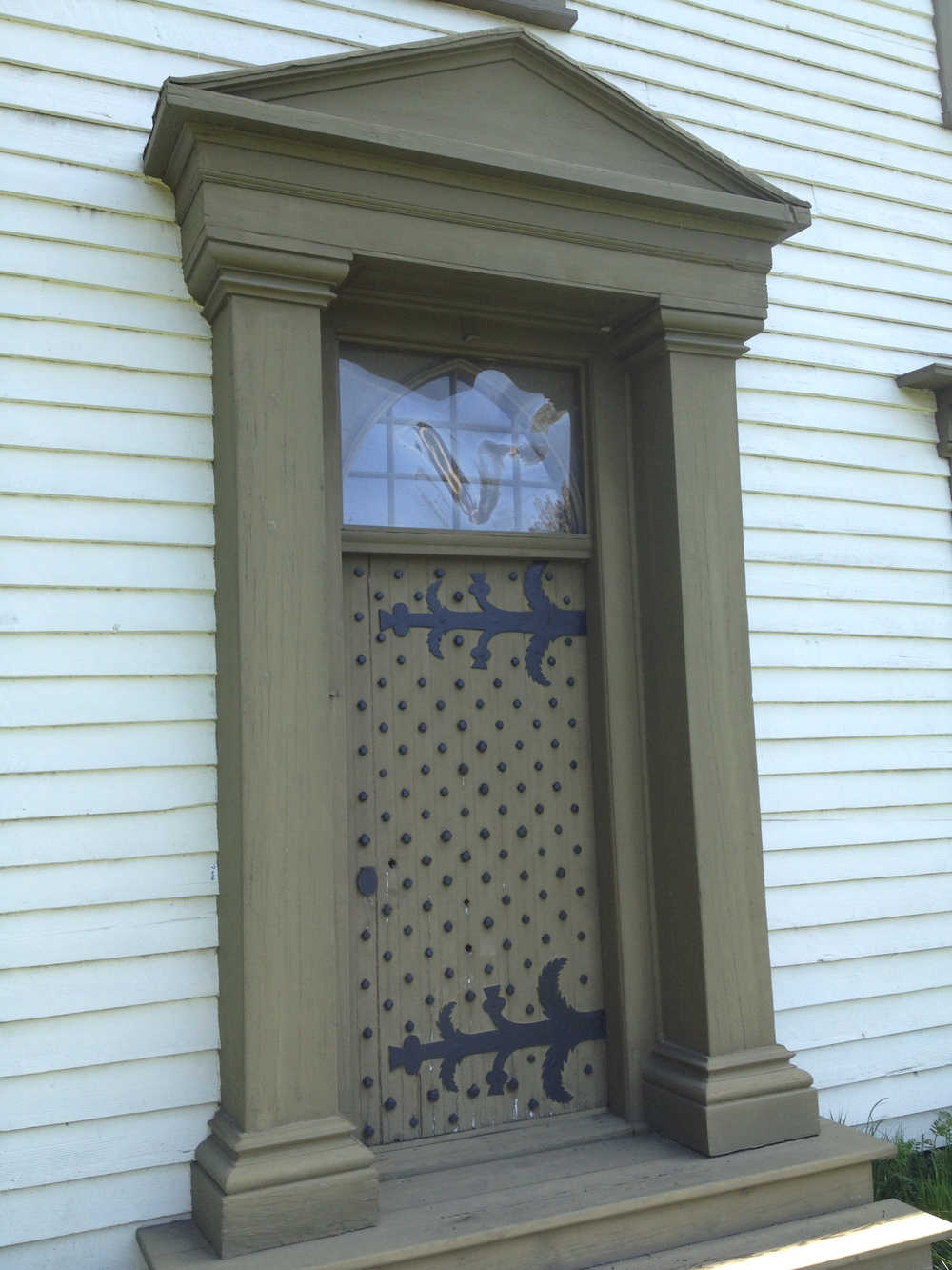 Closeup of the front door of Craigflower Manor showing Scottish thistle detail. Photo courtesy Theresa Mackay