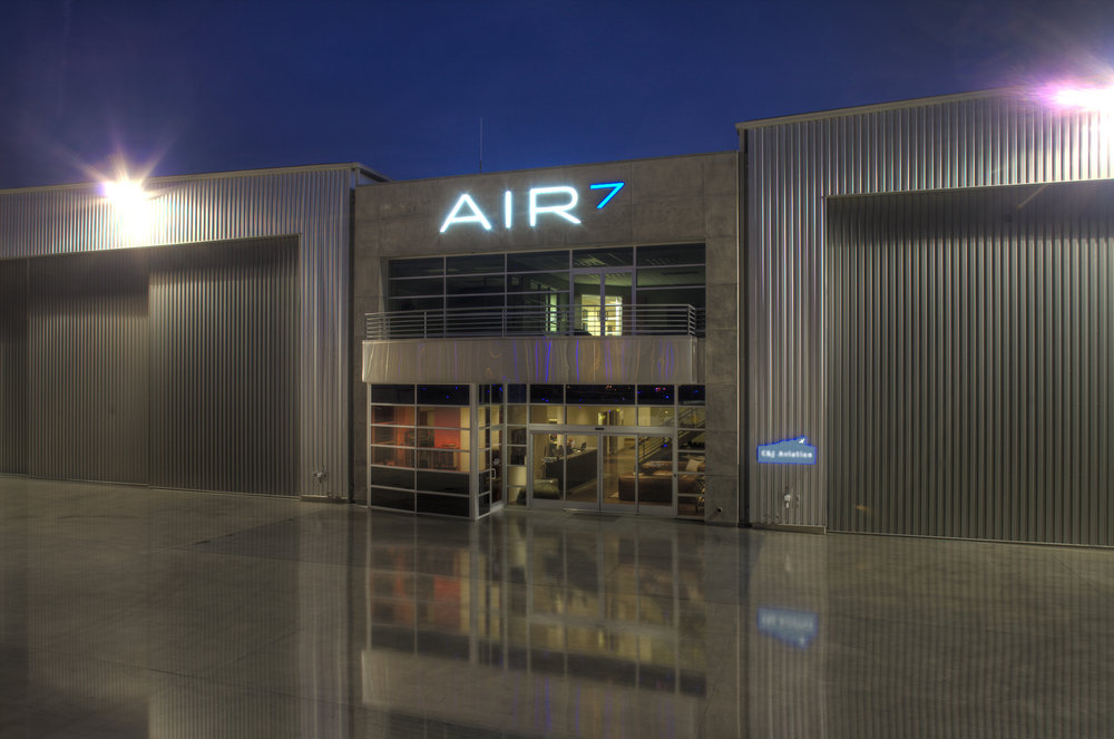 Air7Camarillo3.jpg