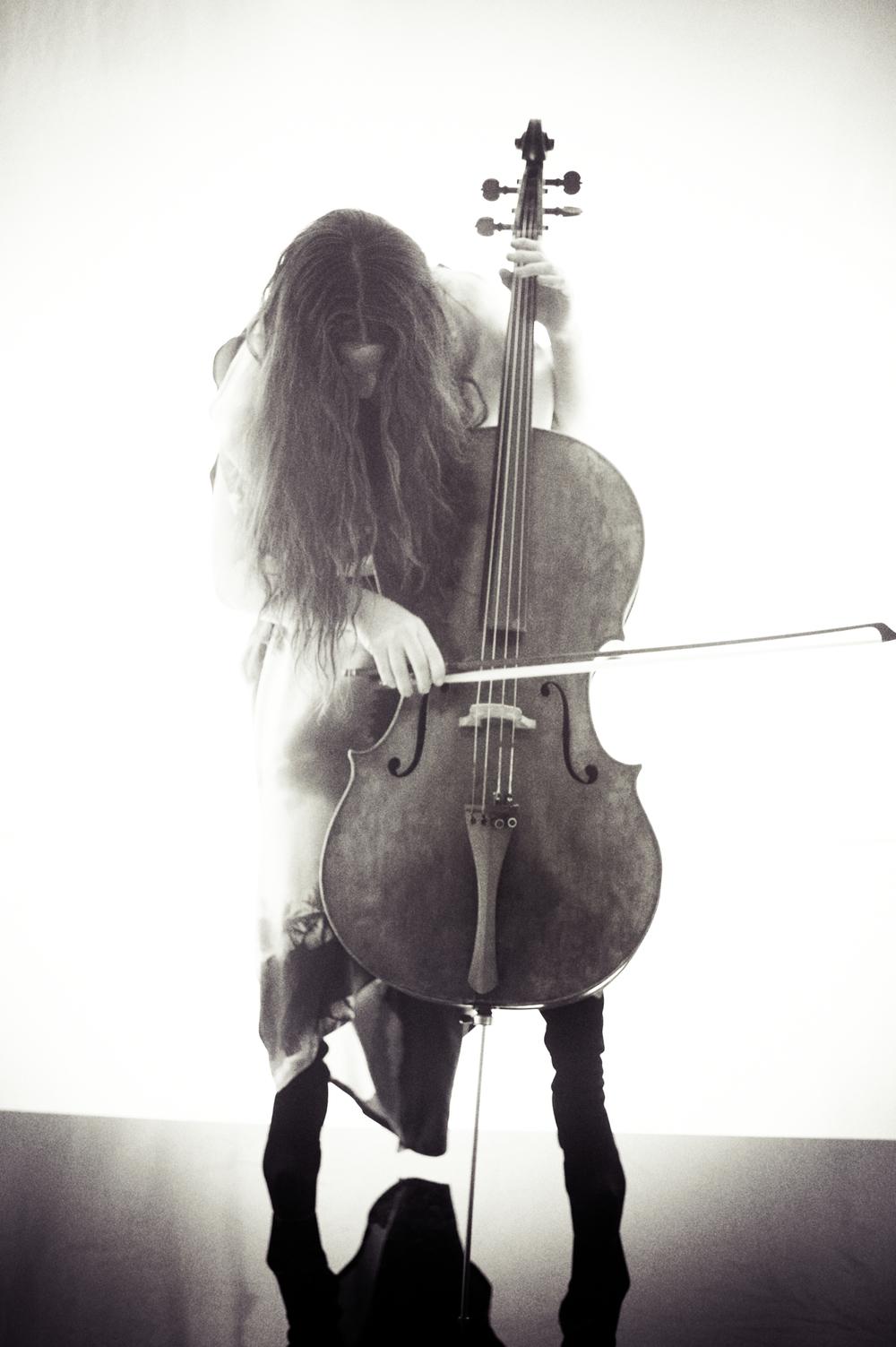 Maya Beiser, photograph by ioulex