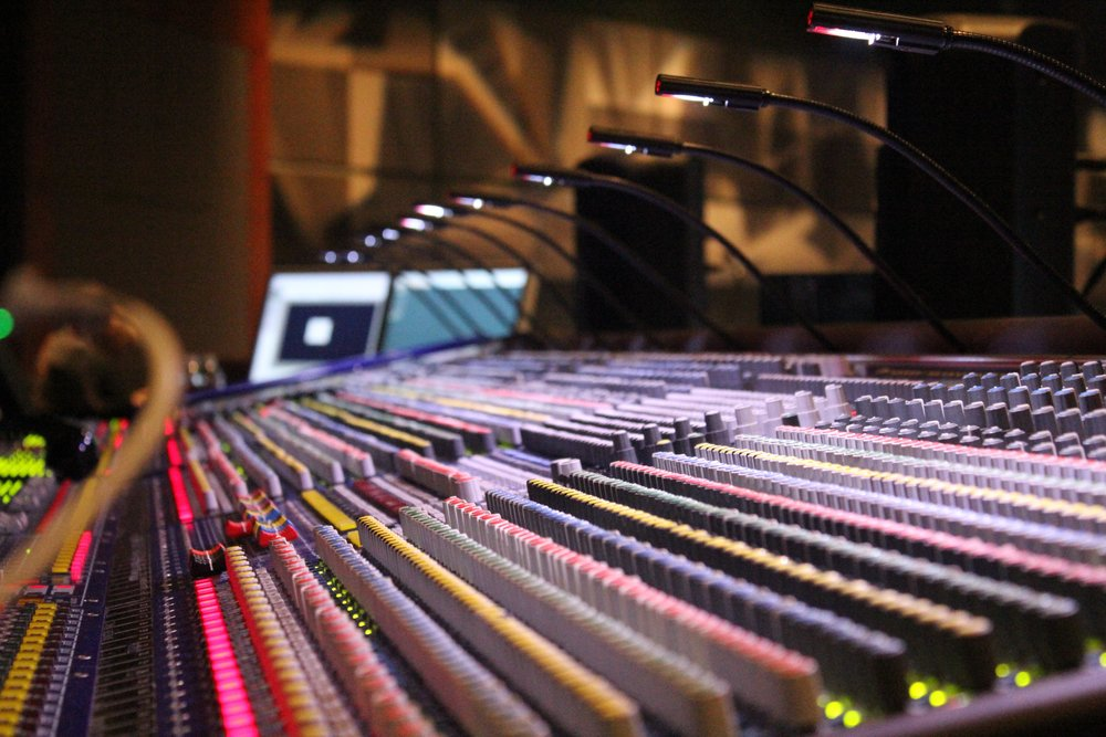 soundboard-785798.jpg