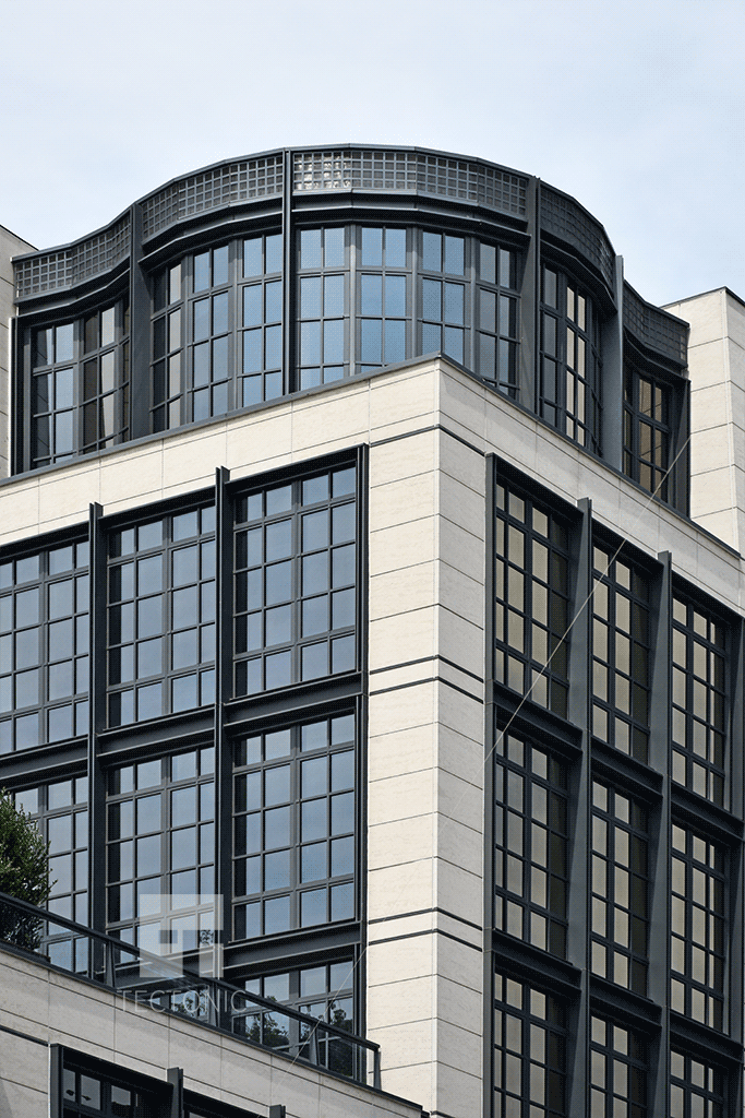 Facade and windows on the upper floors