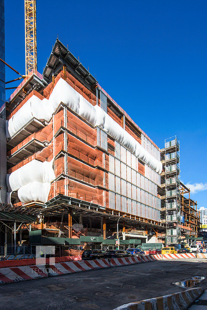 Retail podium   (20 Hudson Yards)   along 11th Avenue