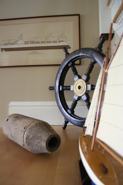 shipswheel.jpg