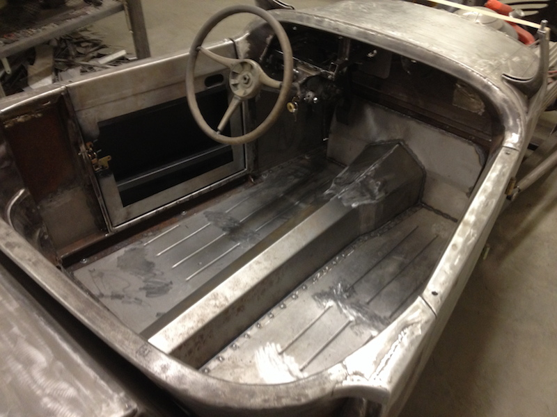New floorboards and tunnel covering the T5 5-speed manual transmission