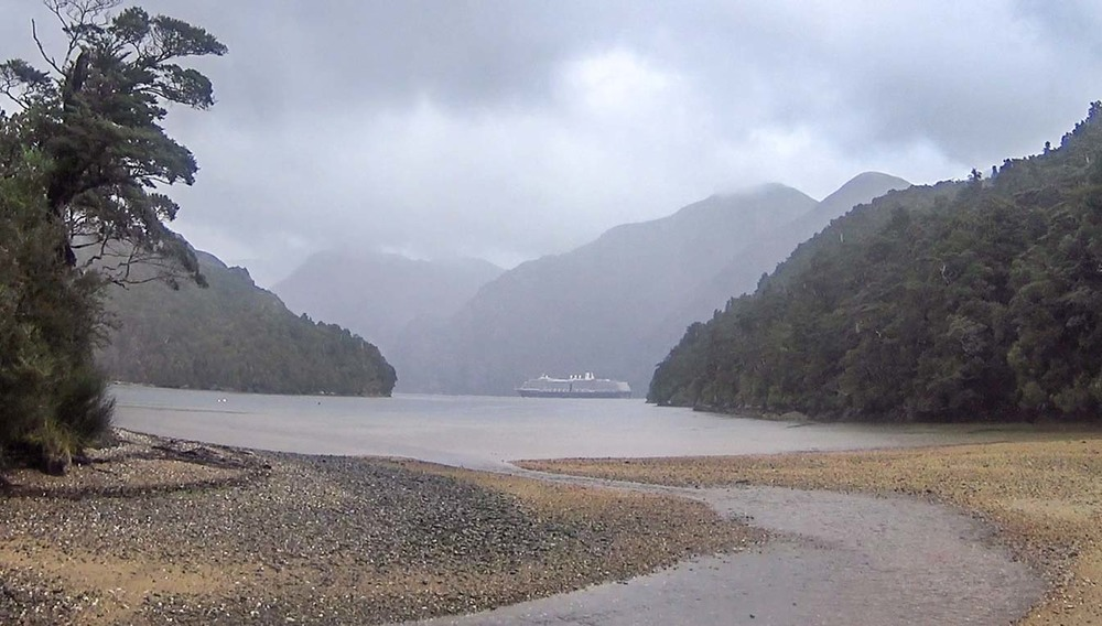Huge cruise liner in Neck Sound