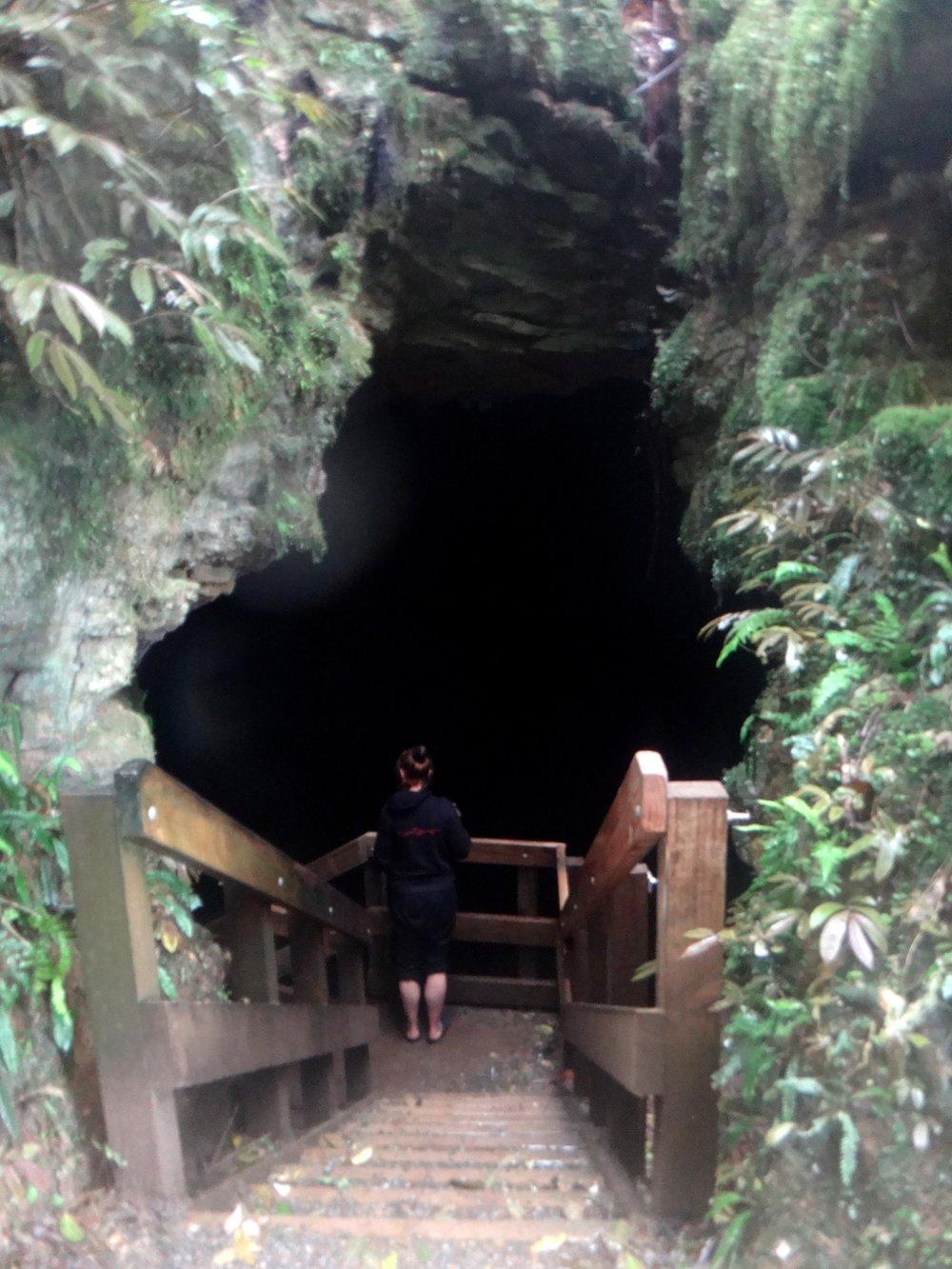 Red at the entrance of Piripiri Cave.