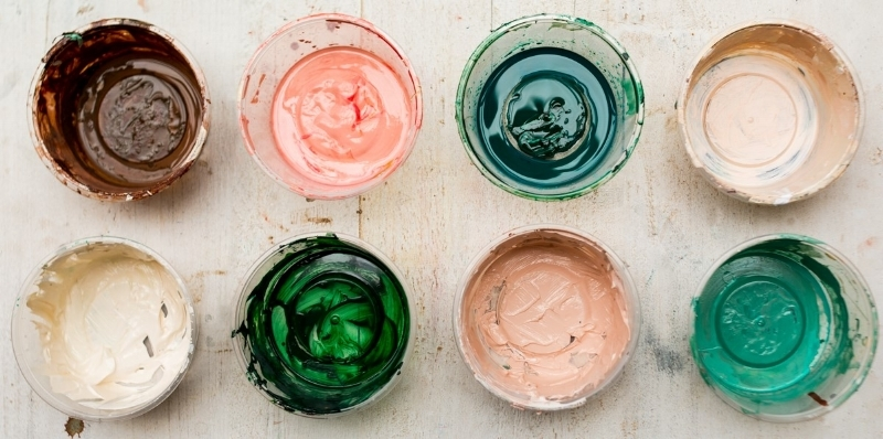 Mixing paint in take-away containers