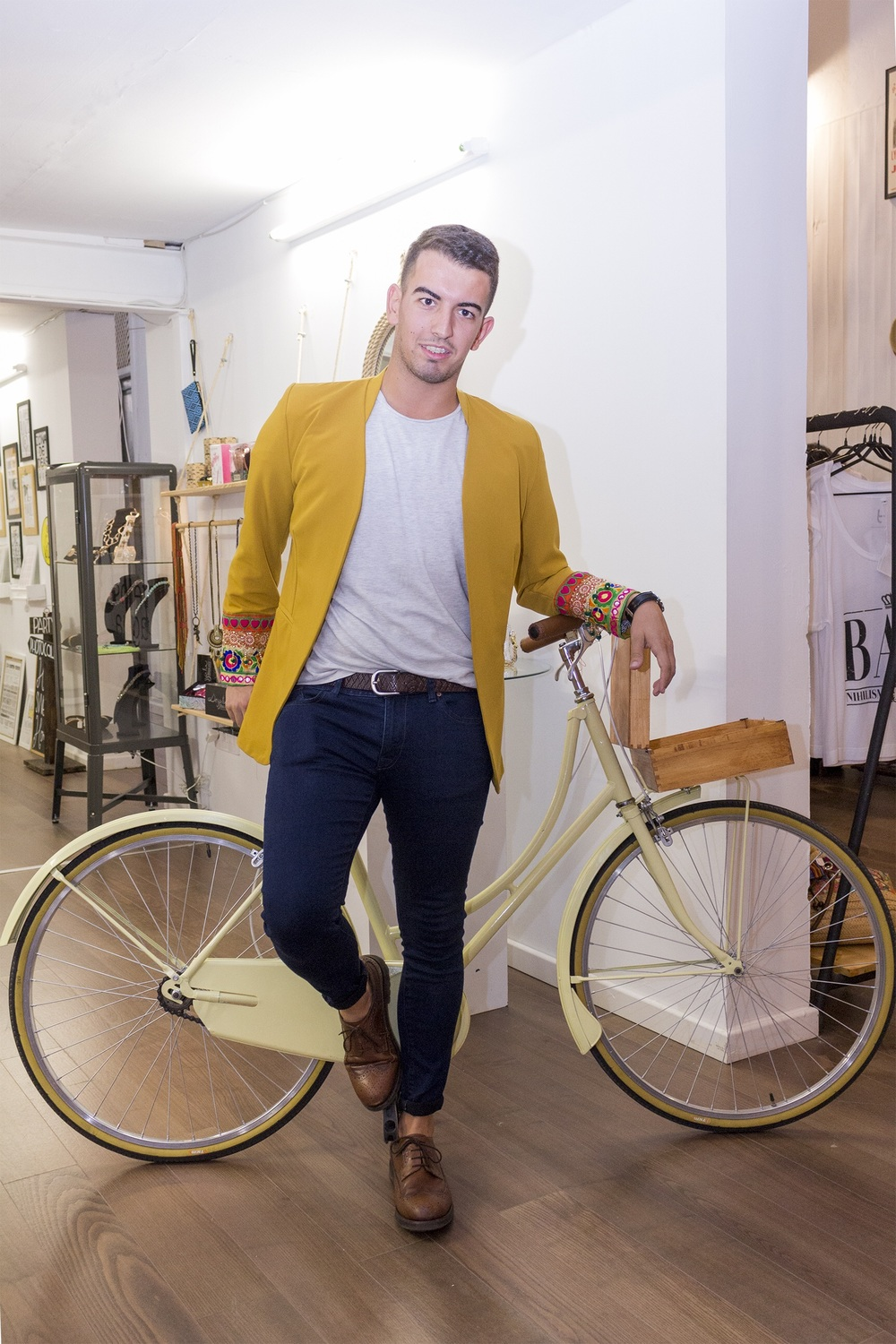 Daniel Albericio - chief editor - Made Now Magazine wearing a mustard coloured Asombrados jacket.