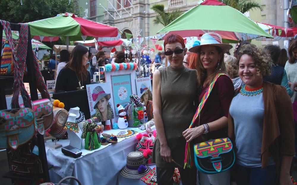 Me with designers at Wayuu Ancestral at Le Good Market Santa Cruz de Tenerife