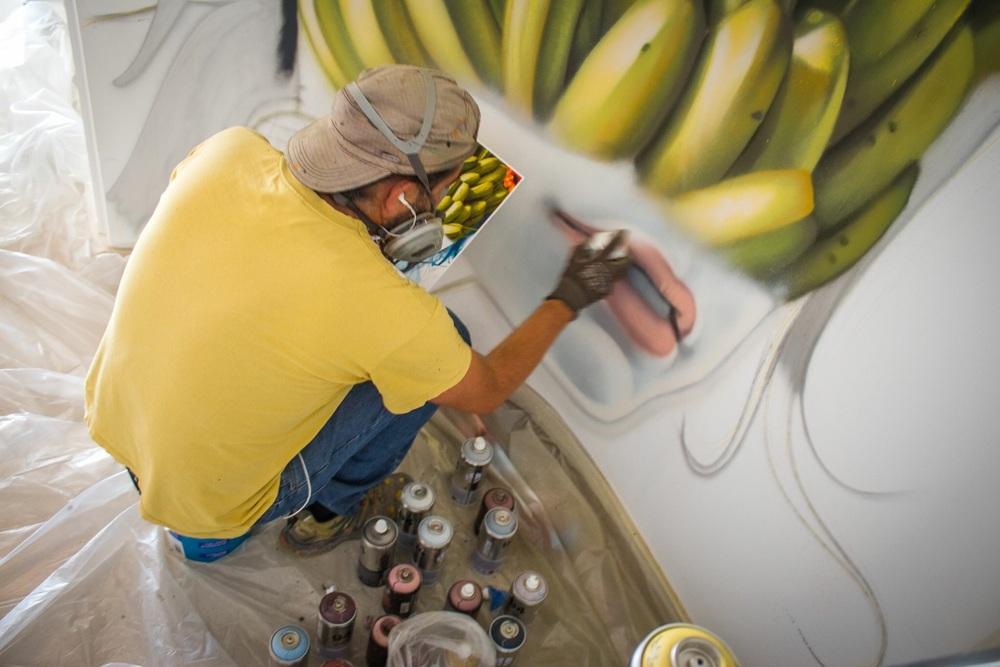 Matias Mata of Sabotaje al Montaje at work - photo Francisco Morales