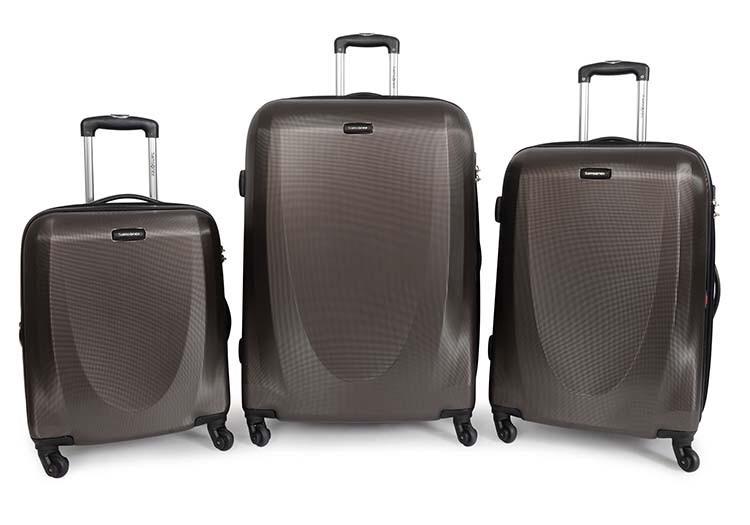 Samsonite luggage light and manoeverable