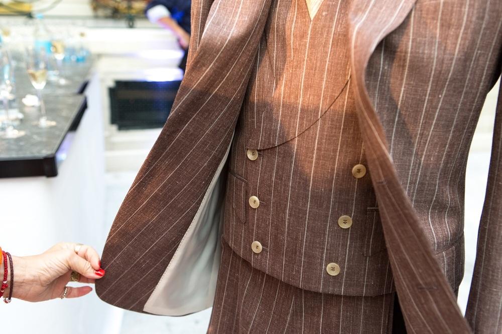 CHESTER BARRIE - waistcoat pockets