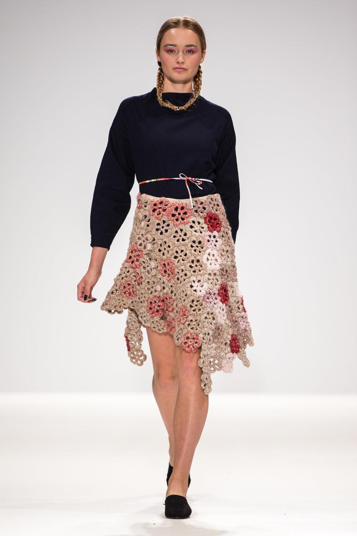 Gorgeous assymetrical crochet hem skirt