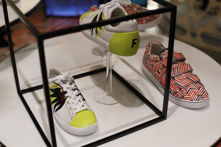 Nach den ganzen Shows in Milan, mit Kunst Thema, arbeitete ASH Footwear mit Künstler Filip Pagowski zusammen, um eine Limited Edition Capsule Herbst Kollektion für Herren und Damen Turnschuhe herzustellen.