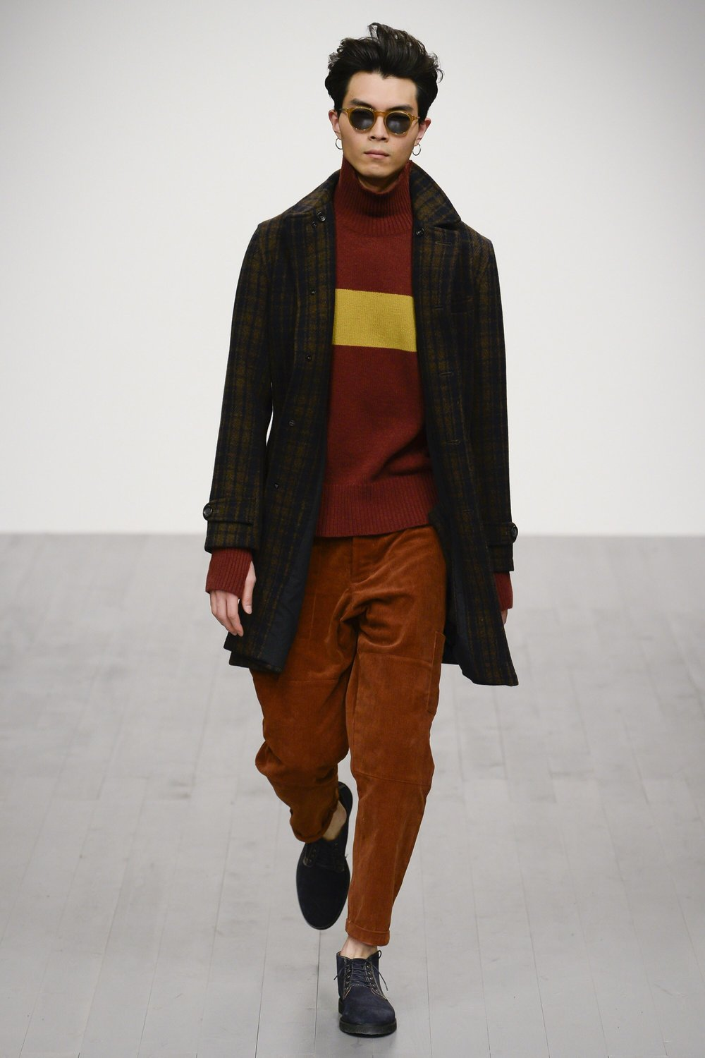 Oliver Spencer -  amazing corduroy tapered pants almost like breeches in a gorgeous rich brown..