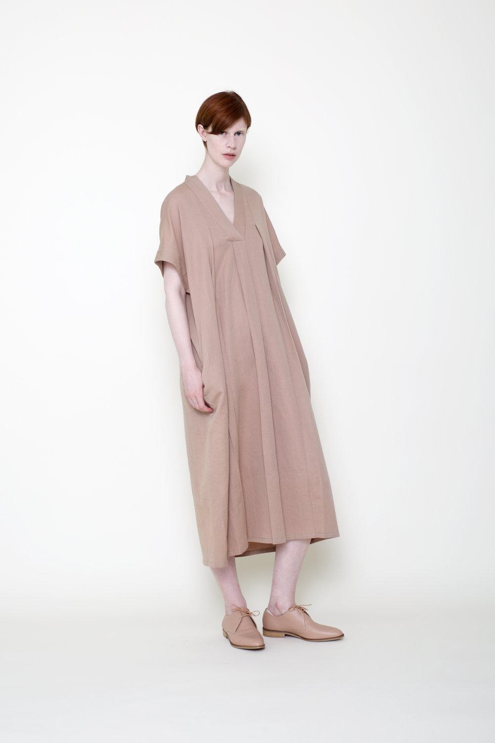 XcoBRz1QiyoKpA5Abg4u_7115_SS18Editorial_Hanbok Dress.jpg