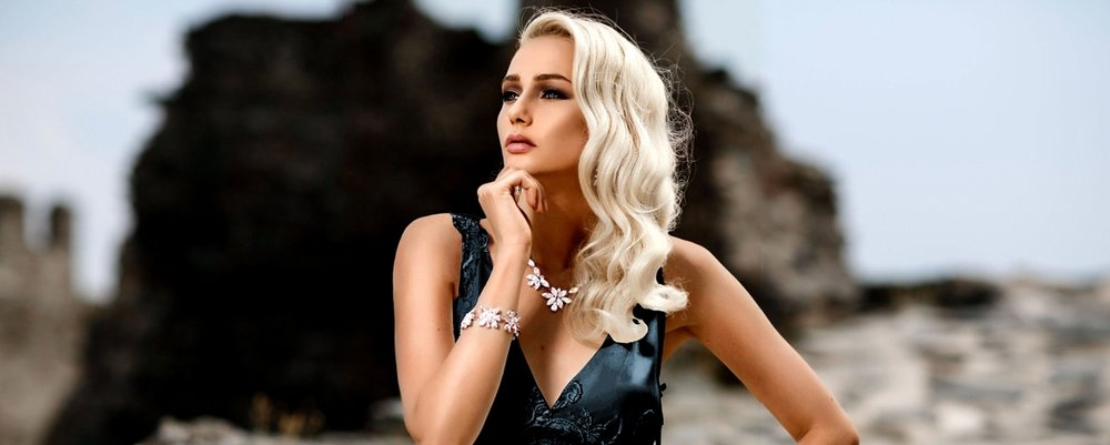 Find your dream wedding jewelry. Discover romantic and vintage inspired wedding jewelry for brides. Complete your look with stunning bridal jewelry including pearl and crystal bridal earrings, wedding necklaces. bridal crystal bracelets, and wedding hair accessories. Our elegant designs of long statement bridal earrings will elevate your wedding style, while our exquisite wedding necklaces and bracelets will make you fashionable. Our gorgeous collections of wedding jewelry are perfect for any type of bride. Whether you are a modern bride looking for unique bridal jewelry or a mother of the bride, there are several styles and colors to choose from. From rose gold bridal jewelry which is the latest trend for wedding accessories to more classic silver and gold wedding jewelry designs. You are sure to find the perfect bridal jewelry for your wedding day with our wedding jewelry collections. Add glamour with our exclusive designs of bridal earrings,wedding necklaces and wedding bracelets. Explore our long chandelier wedding earrings, and statement bridal necklaces. Become more elegant with a pair of classic drop bridal wedding earrings or if you prefer a more dramatic look choose a pair of long bridal chandelier earrings and a statement wedding cuff bracelet. The possibilities are endless. Traditional necklaces with pearls or collar crystal necklaces or choker necklaces are the perfect finish for everyday wear to wedding day glamorous.