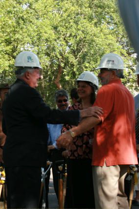Vincent House-Groundbreaking-2009-3.jpg