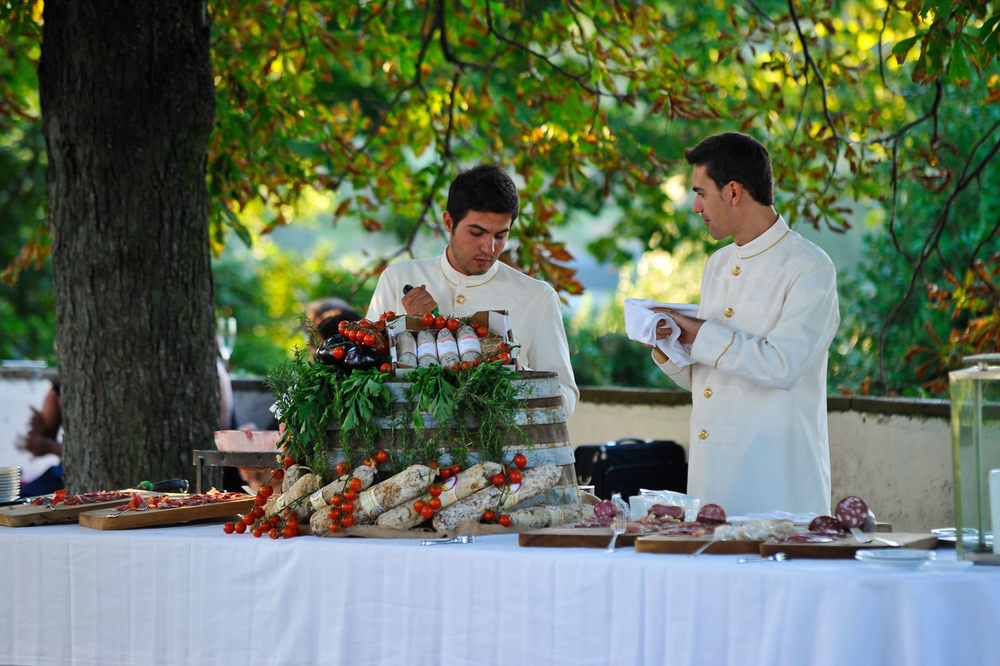 tuscany-wedding-planners-catering-10.jpg