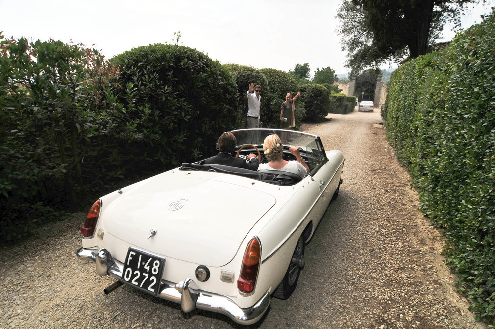 tuscany-wedding-planners-chauffer-09.jpg
