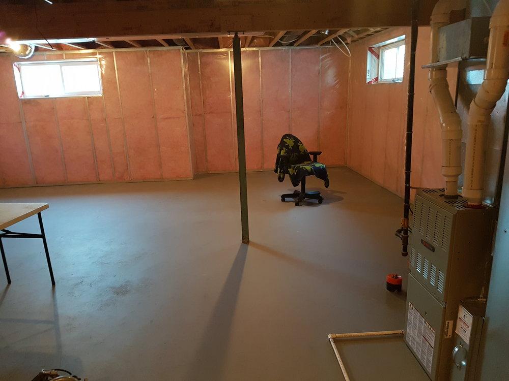 03/25 - Living room angle 2