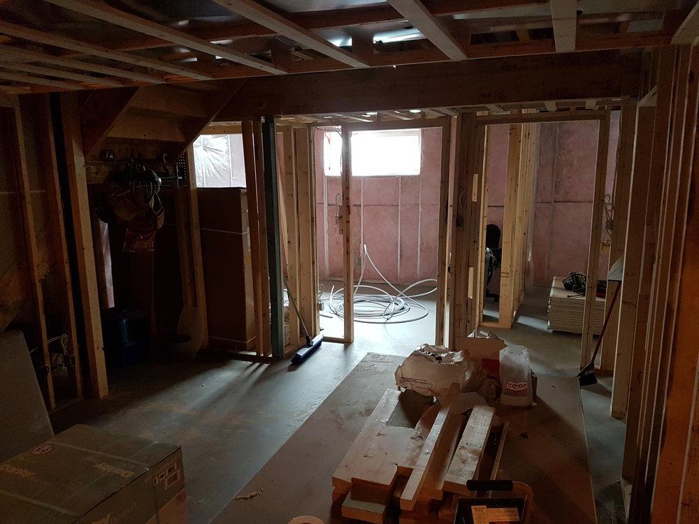 04/25 - Living room