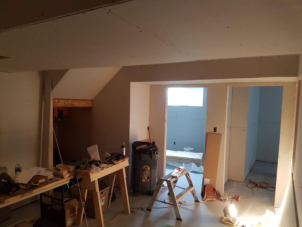 04/30 - Living room