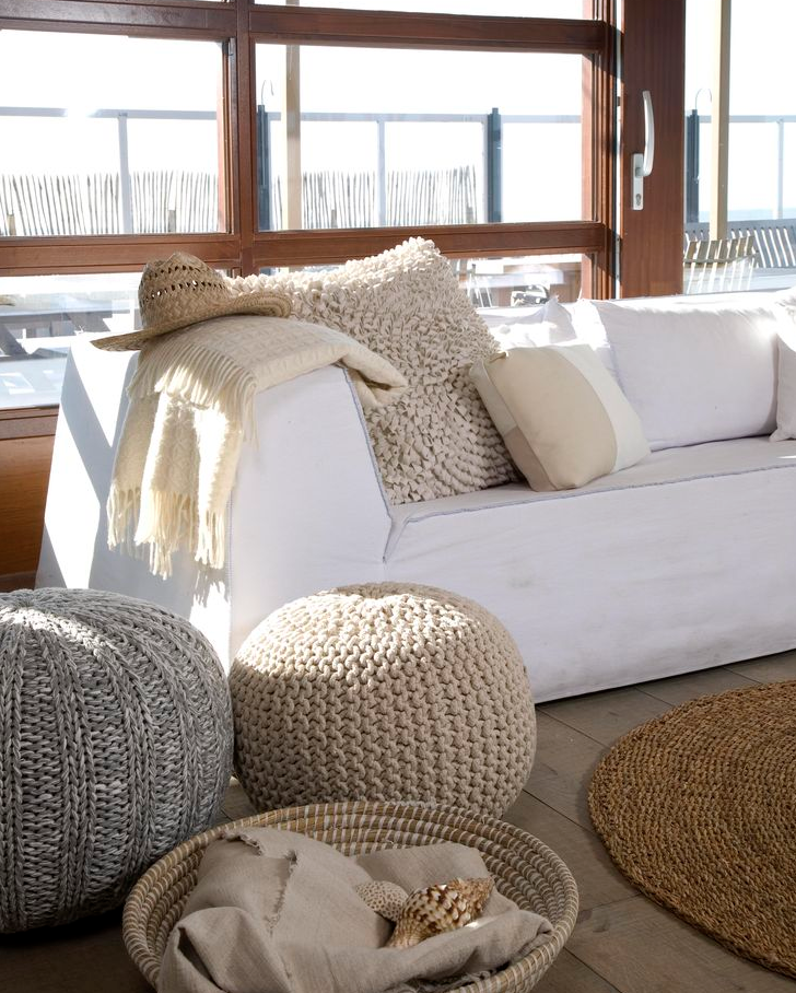 COMFORTABLE STYLING WITH A POUF