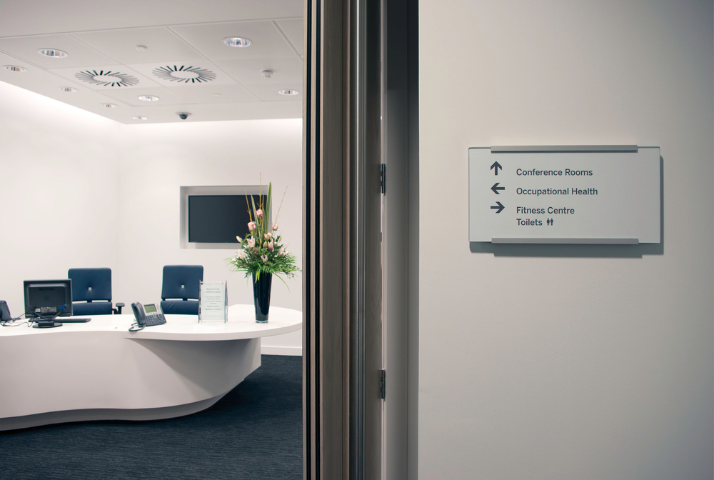 Monoline Directional Sign System
