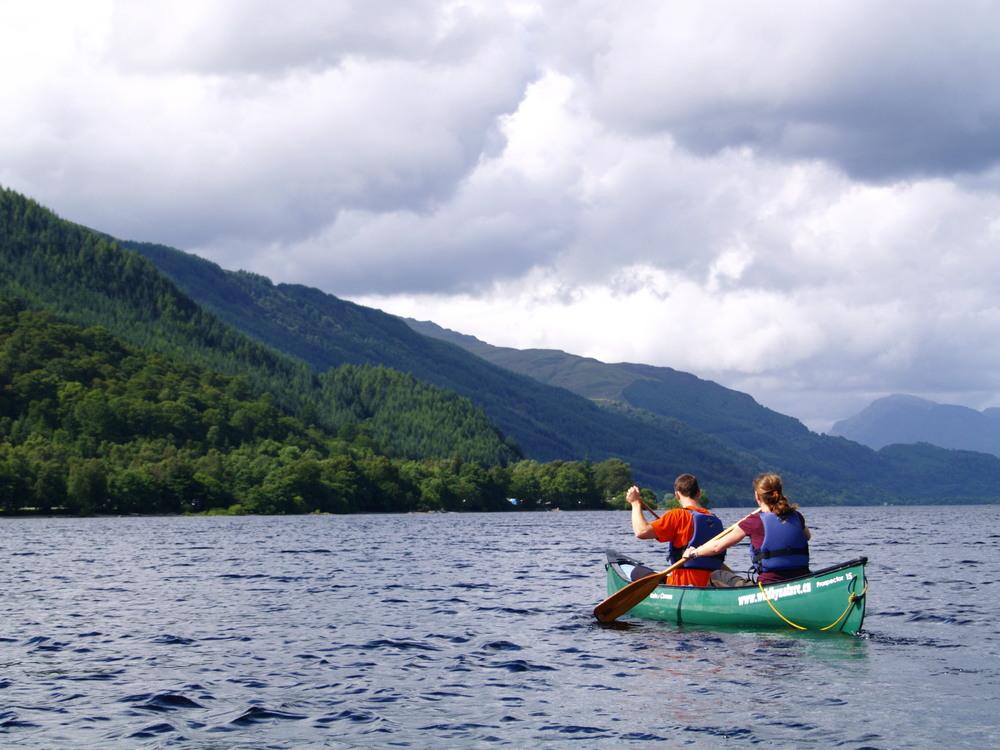 canoeing-on-loch-lomond