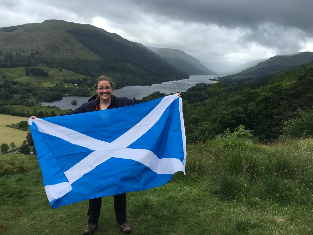 saltire-pose-in-balquhidder-glen