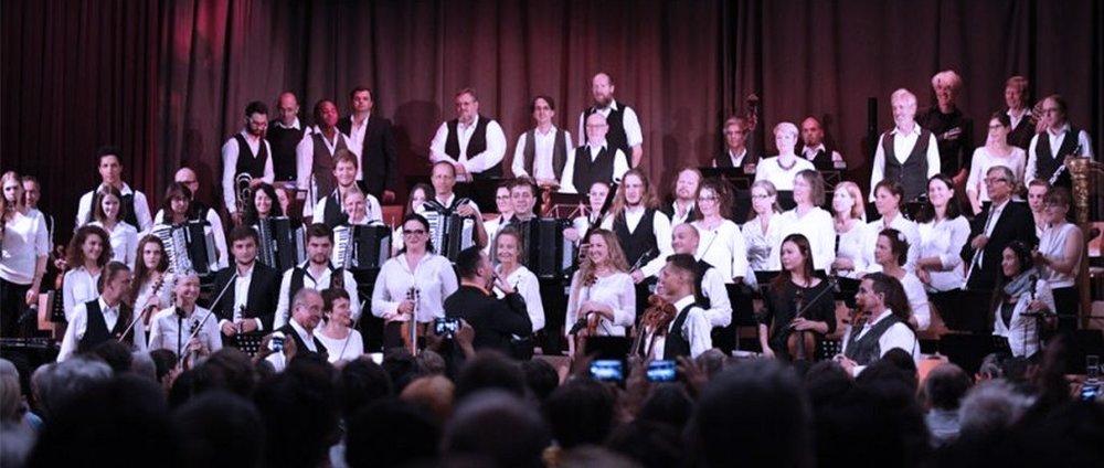 Wiener Klezmer Orchester (Austria)-Musical Director Roman Grinberg