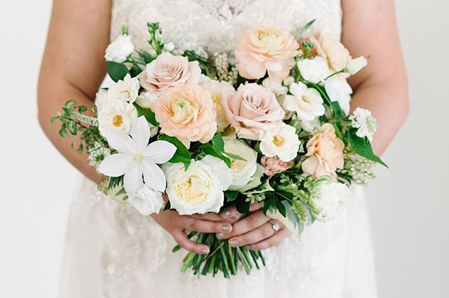 Still so in love with Jessica's bouquet from her wedding last year. 💐: @coriandergirl + @huntandgatherfloral 📷: @bsimkova