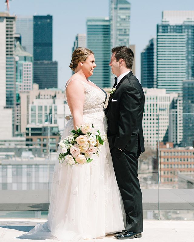 Happy Anniversary to Jessica and Adam! One year ago today, these two were married at @atlantistoronto. Time certainly flew by 😘. #firstweddinganniversary 📷: @bsimkova